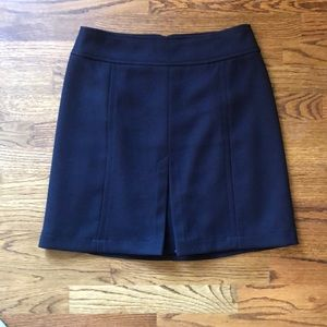 LOFT skirt with cute middle pleat detail